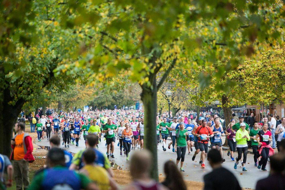 Your opportunity to experience a city centre run under the beautiful green canopies of four Royal Parks.