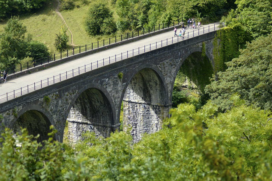 Easy-walking along traffic-free disused railway lines with stunning viewpoints from the many impressive viaducts